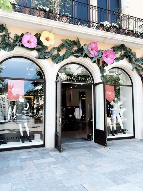 When in barcelona designer parels shoppen in la roca for La roca barcelona